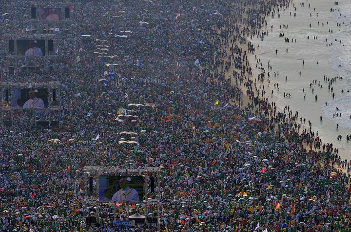 AFP PHOTO / CHRISTOPHE SIMON
