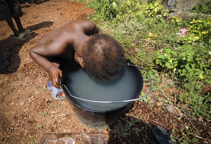 AFP PHOTO/ SIA KAMBOU