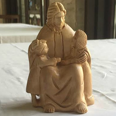 A_statue_of_Jesus_with_children_at_the_Pontifical_North_American_College_Credit_Daniel_Ibanez_CNA_5_5_15