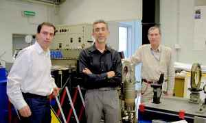Os especialistas Daniele Murra, Paolo Di Lazzaro e Giuseppe Baldacchini que participaram nos trabalhos
