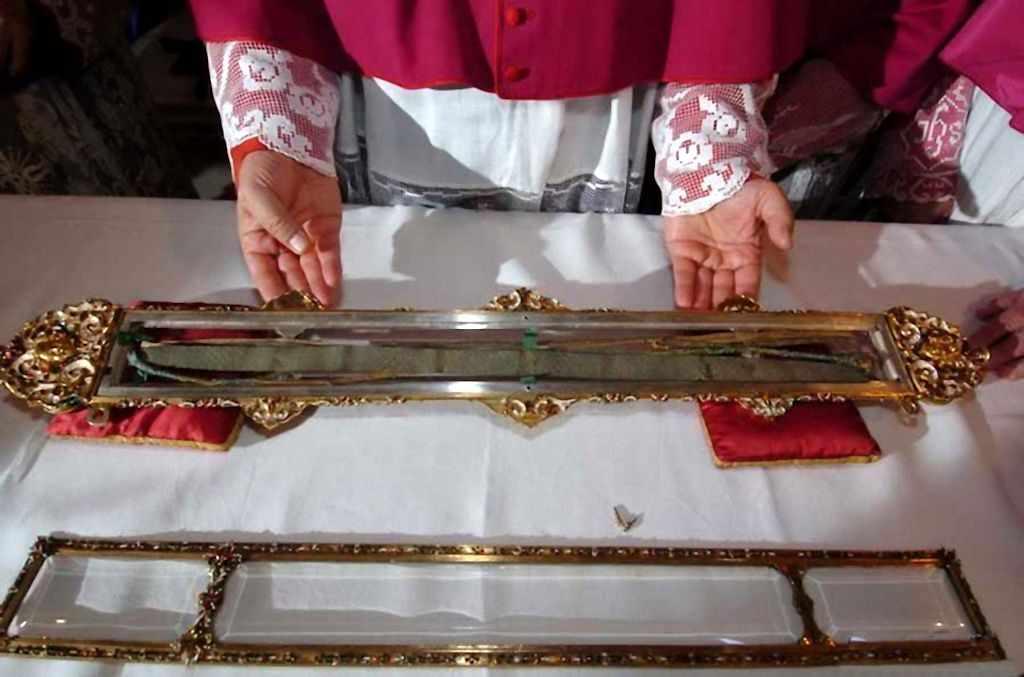 Resultado de imagem para A relíquia do cinto de Nossa Senhora