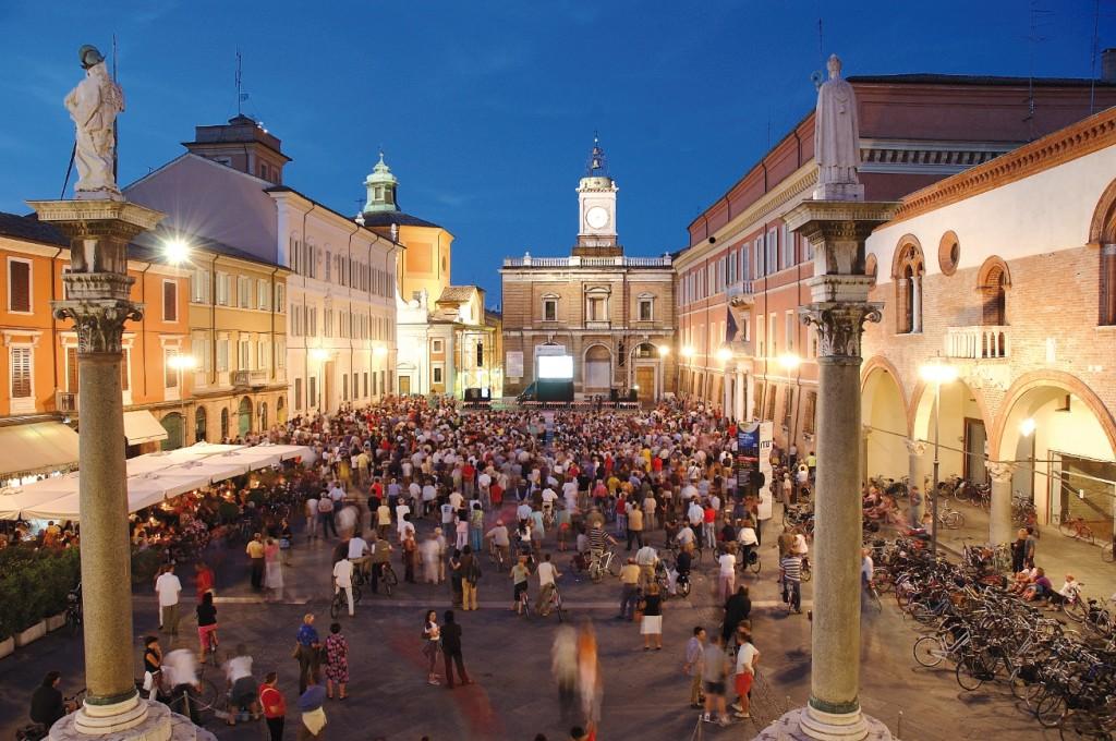 piazza-popolo-gente