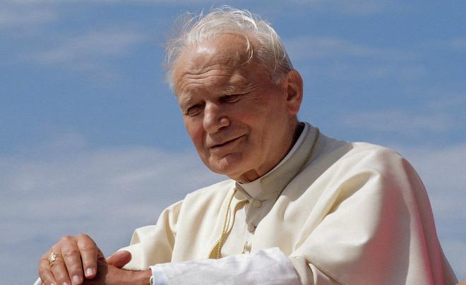 Intervista esclusiva a Mons. Nosiglia: Un patto intergenerazionale per vincere il ''cancro'' dell'individualismo